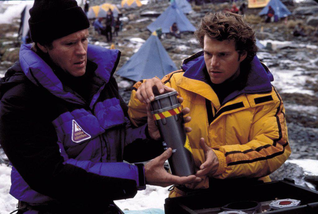 Stock Photo: 4409-91092 Original Film Title: VERTICAL LIMITS. English Title: VERTICAL LIMITS. Film Director: MARTIN CAMPBELL. Year: 2000. Stars: ROBERT (SCHAUSPIELER) TAYLOR; CHRIS O'DONNELL.