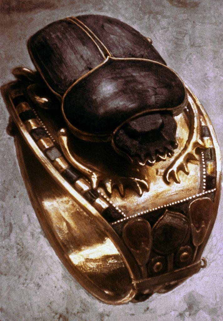 ESCARABAJO EN LAPIZLAZULI Y ORO-TESORO TUTANKAMON. Location: EGYPTIAN MUSEUM, KAIRO. : Stock Photo