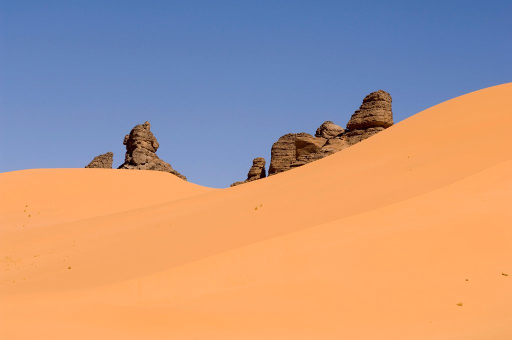 Stock Photo: 4413-105584 Massive Akakus Sahara Desert Fezzan Libya