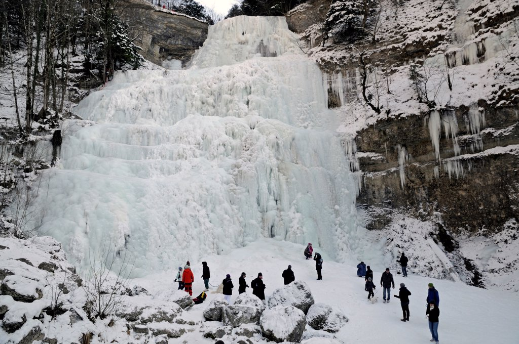 Stock Photo: 4413-197077 Frozen waterfall Hérisson Jura France