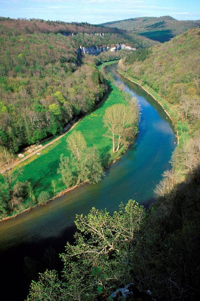 Rest of riverain in the gorges of the Loue Bourgogne France : Stock Photo