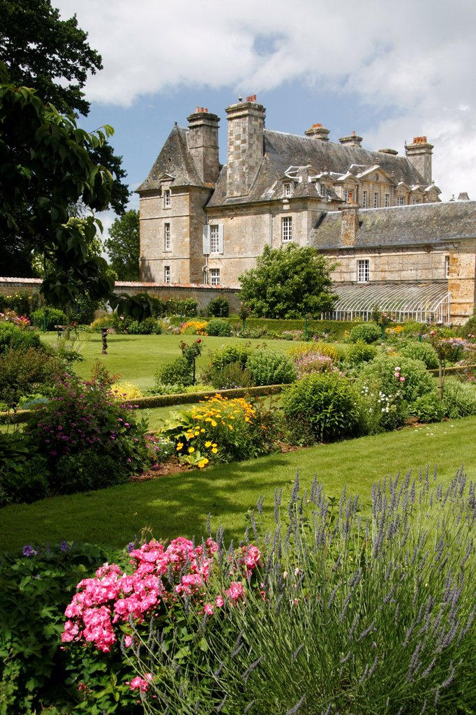 Stock Photo: 4413-37642 Mixed-border in the Floral garden of Château de la Motte