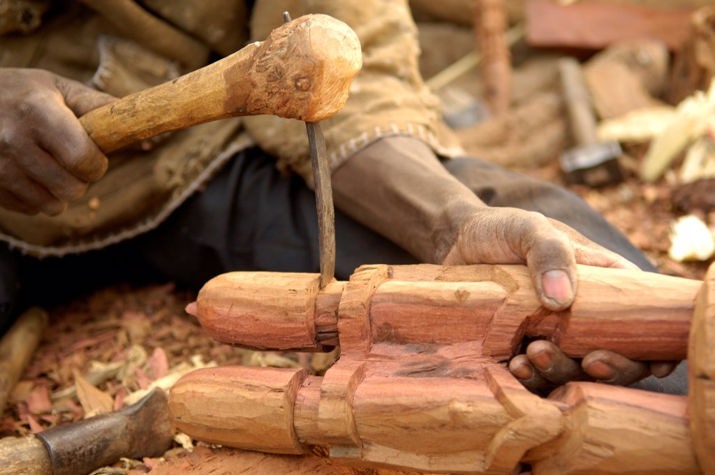 Craftsman carving wood Country Dogon Mali : Stock Photo