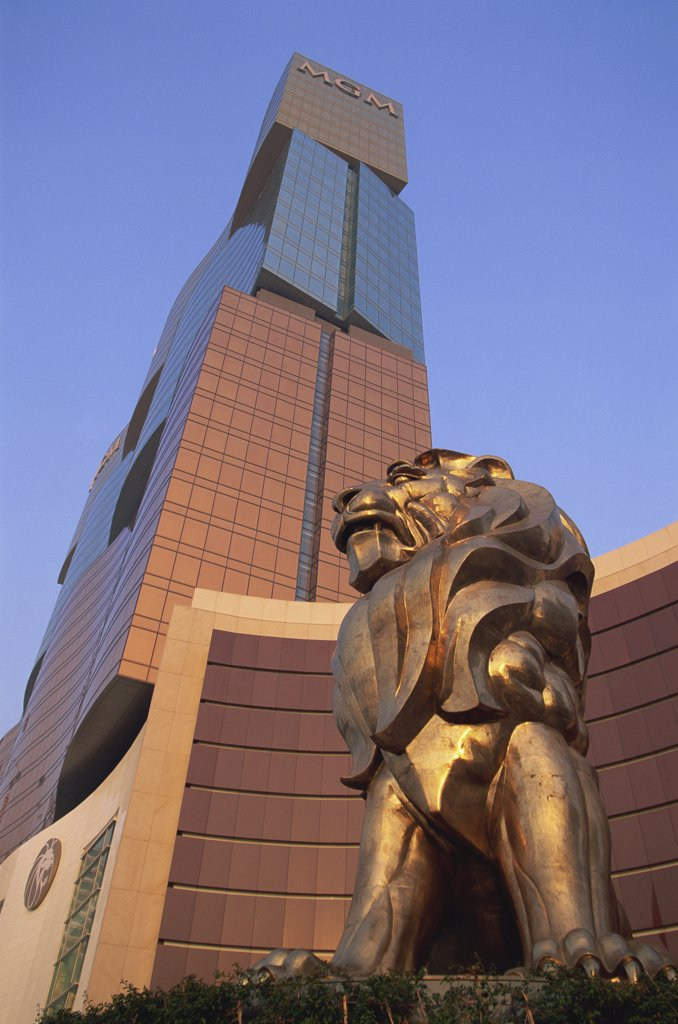 Stock Photo: 442-10479 Lion's statue in front of a hotel, MGM Grand Hotel and Casino, Macao, China