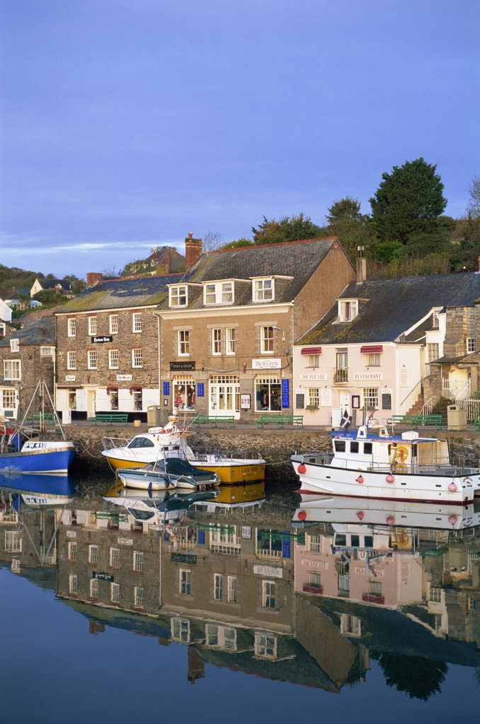 Buildings at the waterfront, Padstow, Cornwall, England : Stock Photo