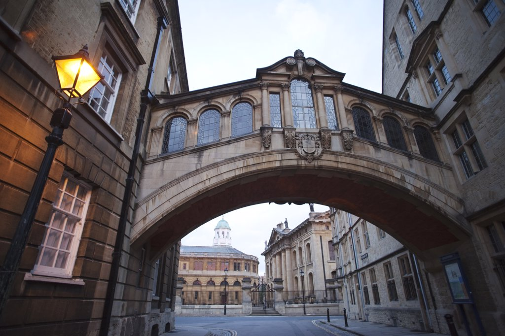 Low angle view of a covered bridge, Hertford Bridge, Hertford College, New College Lane, Oxford University, Oxford, Oxfordshire, England : Stock Photo