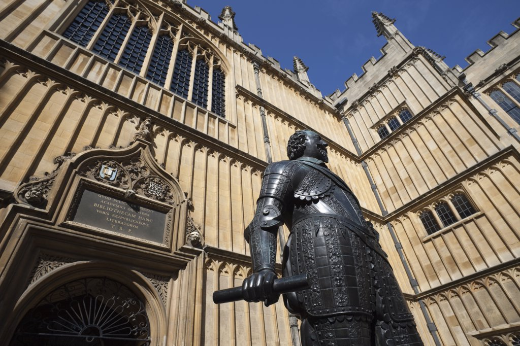 Stock Photo: 442-11016 Statue of William Herbert, 3rd Earl of Pembroke, Bodleian Library, Oxford, Oxfordshire, England