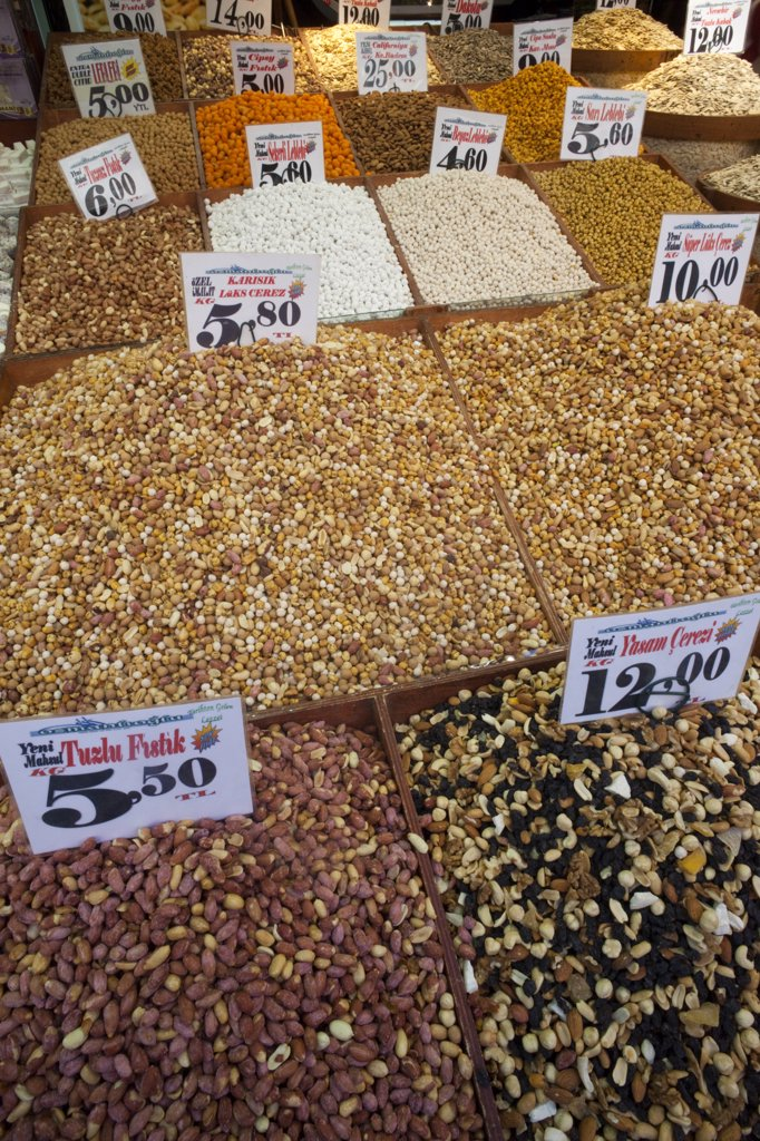 Nut shop display, Sultanahmet, Istanbul, Turkey : Stock Photo