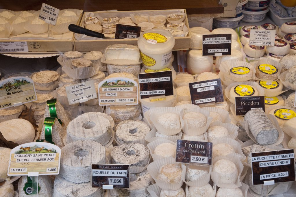 Cheese shop window display, Paris, Ile-de-France, France : Stock Photo