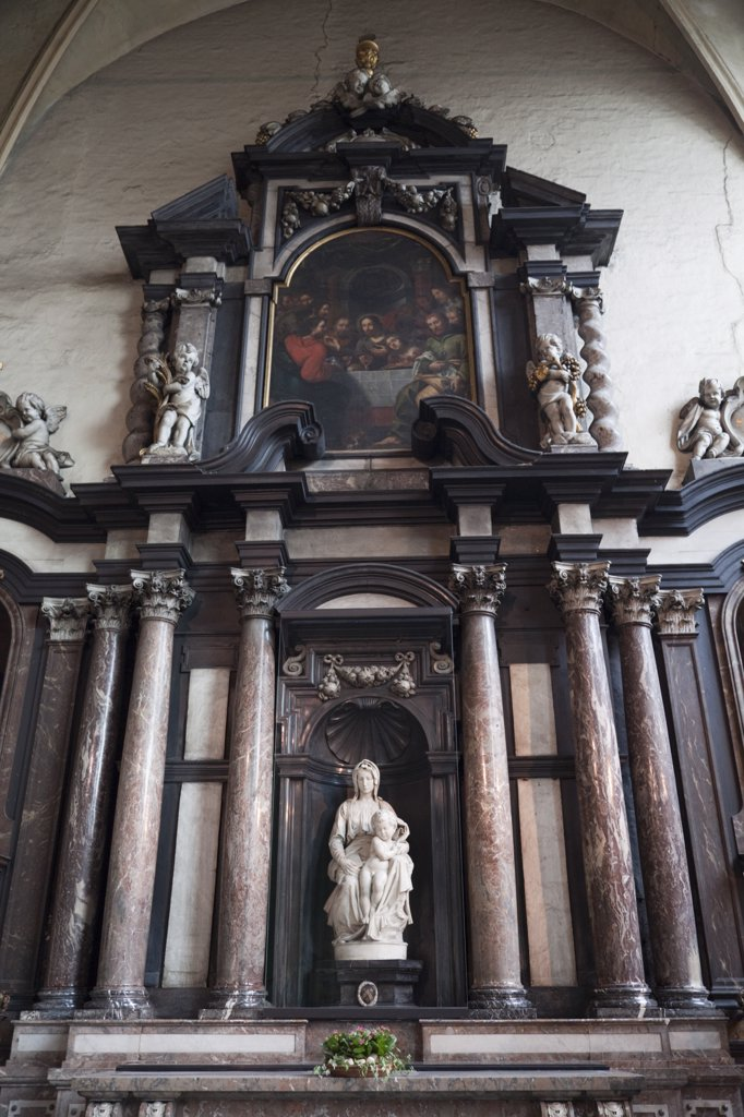 Stock Photo: 442-11741 Belgium, Brugge, Church of our Lady Bruges, Madonna and Child Statue by Michelangelo