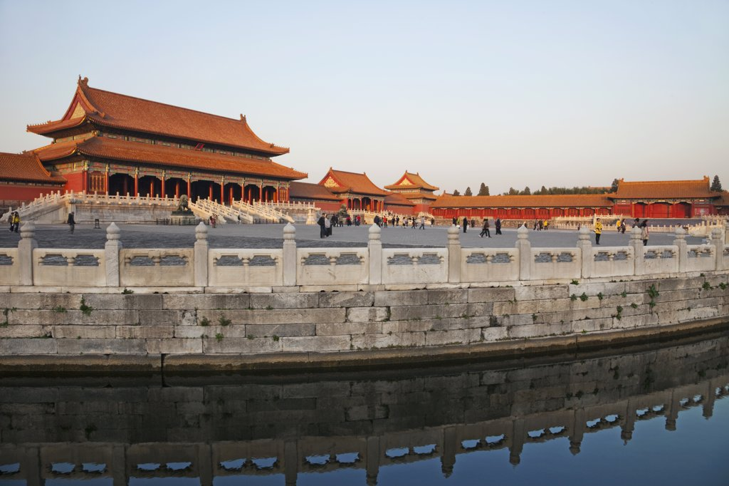 Stock Photo: 442-12250 Reflection of buildings in water, Imperial Palace, Forbidden City, Beijing, China