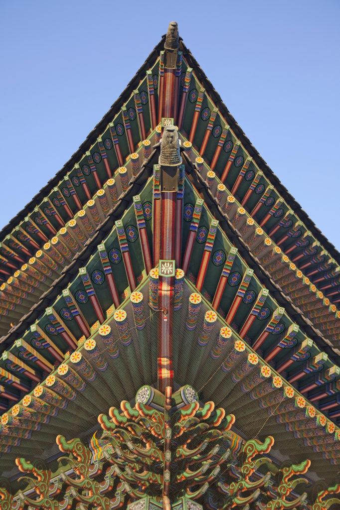 Architectural detail of a hall, Geunjeongjeon Hall, Gyeongbokgung Palace, Seoul, South Korea : Stock Photo