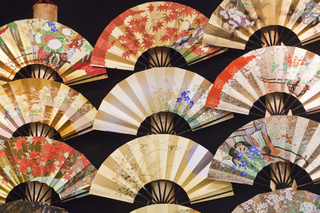 Japanese folding fans for sale, Kyoto Prefecture, Kinki Region, Honshu, Japan : Stock Photo