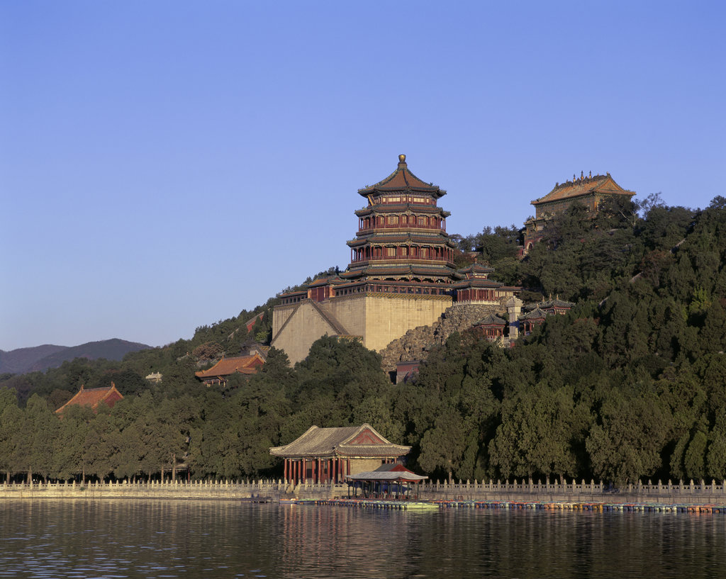 Stock Photo: 442-2864A Palace on the waterfront, Summer Palace, Kunming Lake, Beijing, China