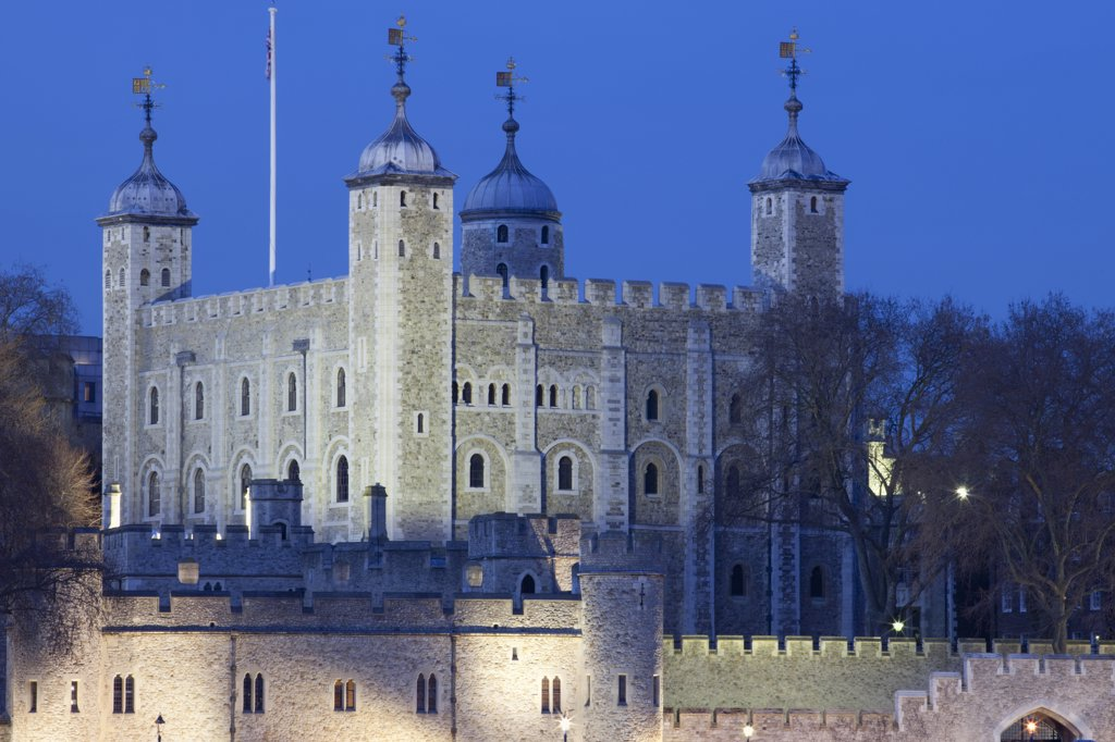 Stock Photo: 442-35640 Historic castle in a city, Tower Of London, London, England