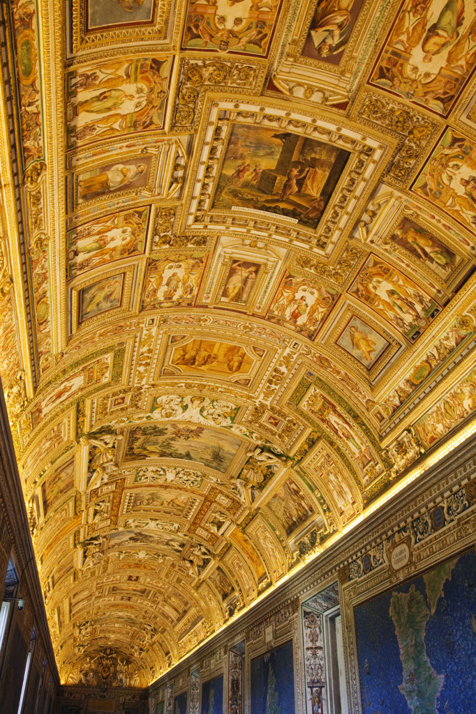 Stock Photo: 442-35931 Italy, Rome, Vatican Museums, Ceiling of Gallery of Maps