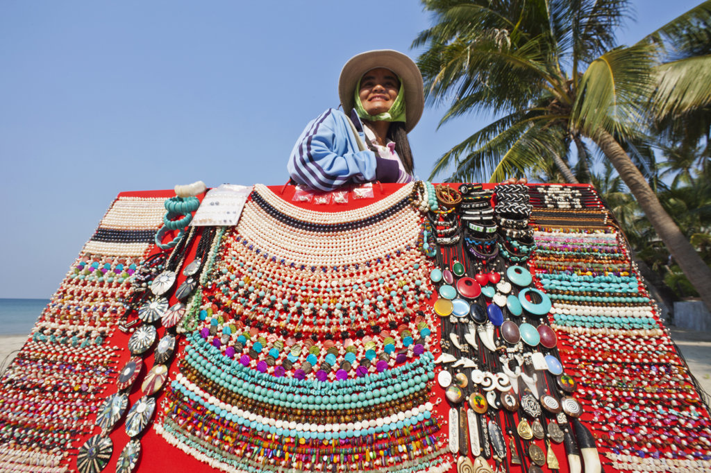 Stock Photo: 442-37362 Thailand,Trat Province,Koh Chang,Beach Vendor Selling Jewellery