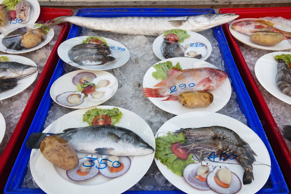Stock Photo: 442-37378 Thailand,Trat Province,Koh Chang,Klong Prao Beach,Beach Front Restaurant Seafood Display