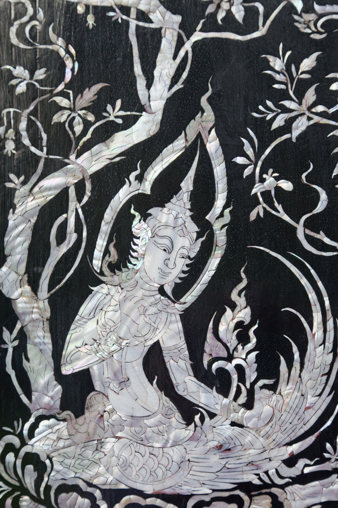Stock Photo: 442-37383 Thailand,Trat Province,Koh Chang,Wat Klong Prao,Mother of Pearl Inlay Door Decoration