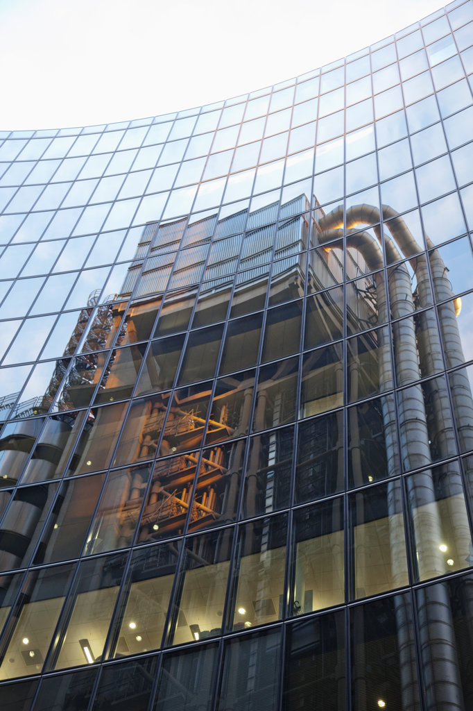 Stock Photo: 442-37558 UK, London, City of London, Reflection of Lloyd's Building