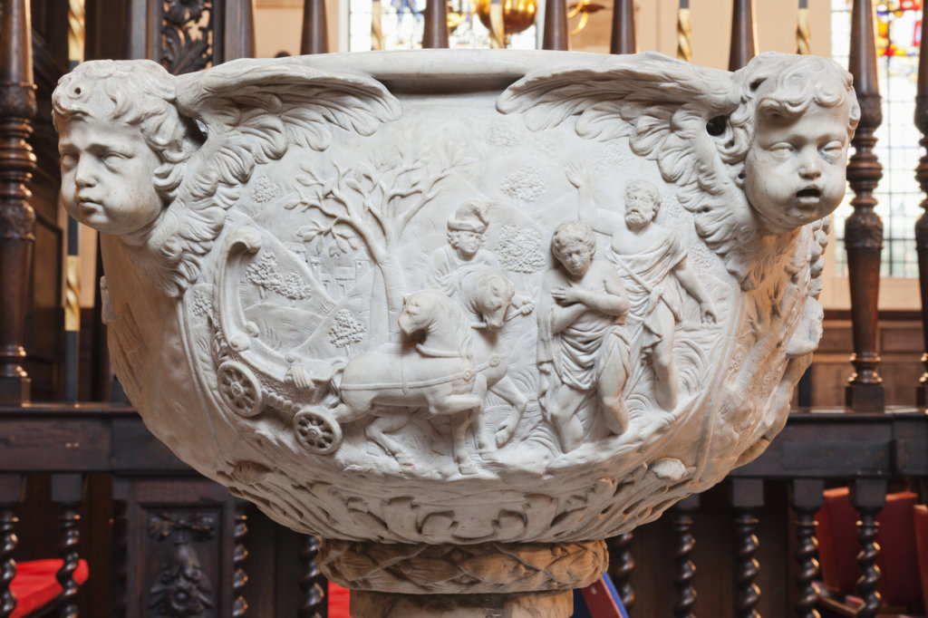 England,London,The City,St.Margaret Lothbury Church,The Font depicting Biblical Scenes and Cherub Heads : Stock Photo