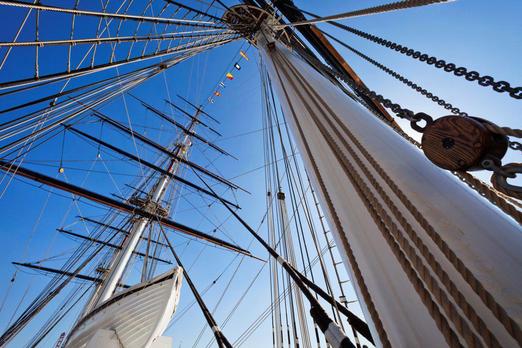 UK, England, London, Greenwich, Cutty Sark, Ship's Masts : Stock Photo