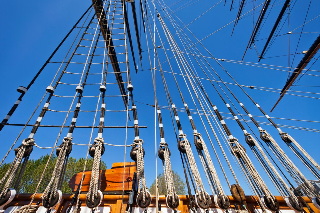 Stock Photo: 442-37859 UK, England, London, Greenwich, Cutty Sark, Ship's Masts