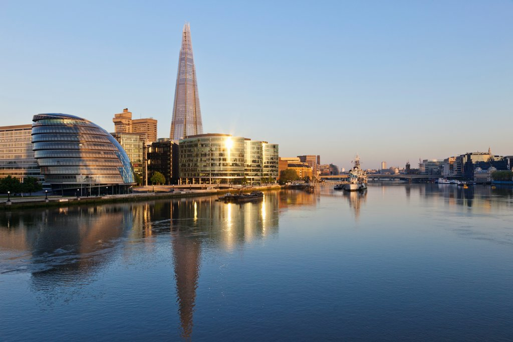 Stock Photo: 442-37871 UK, England, London, Southwark, The Shard and More London Development