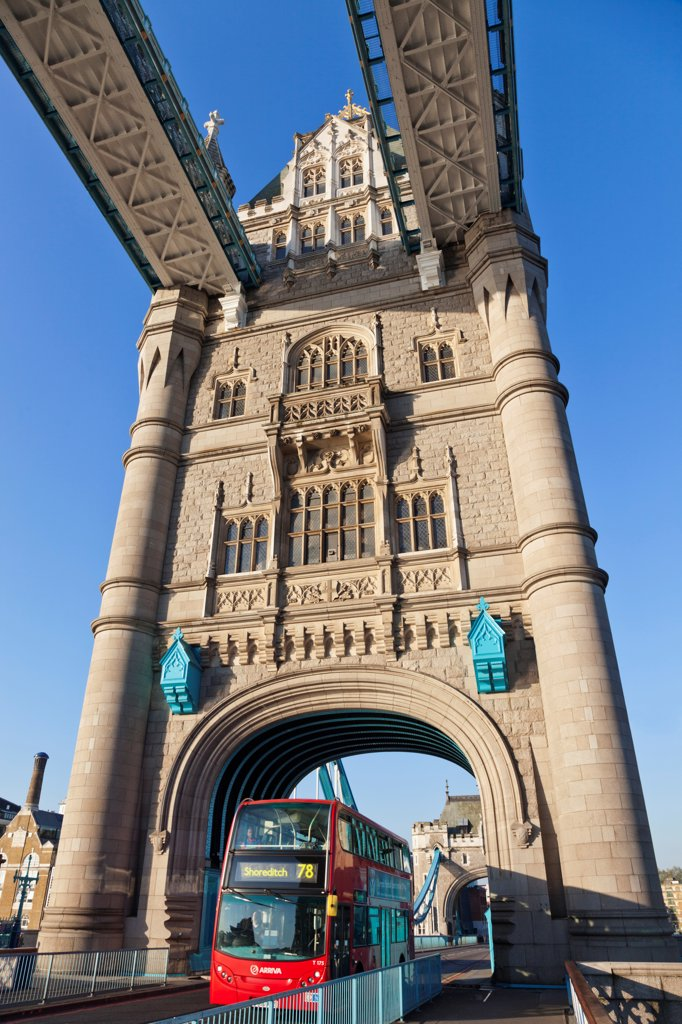 Stock Photo: 442-37880 UK, England, London, Southwark, Tower Bridge