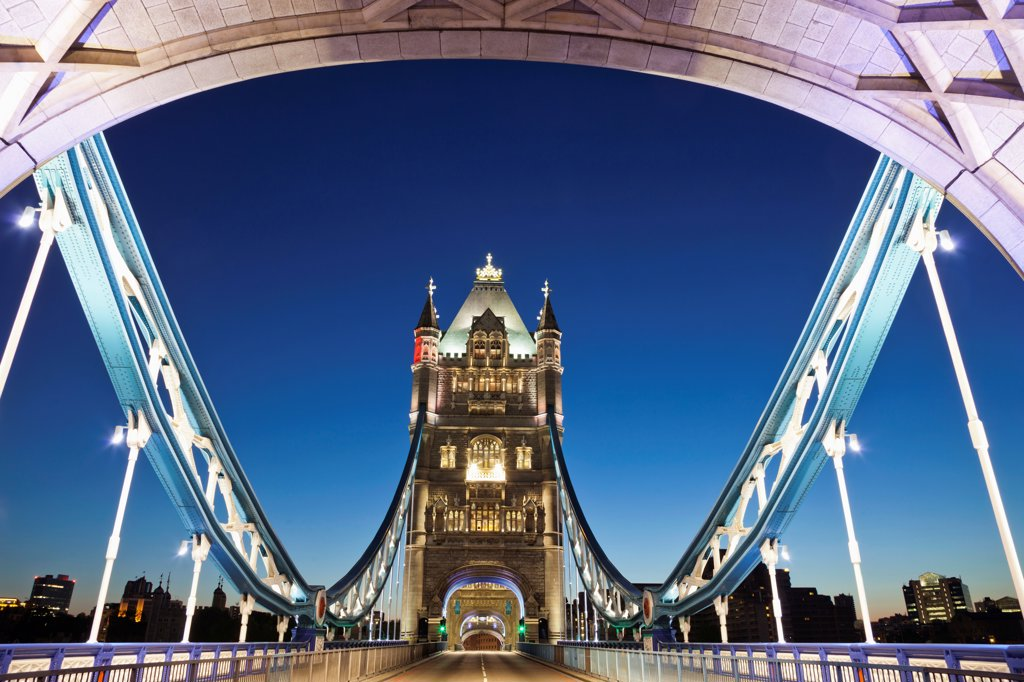 Stock Photo: 442-37885 UK, England, London, Southwark, Tower Bridge