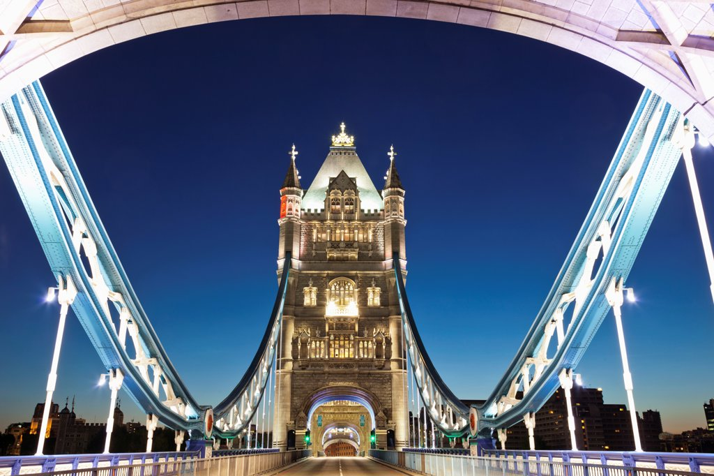 Stock Photo: 442-37886 UK, England, London, Southwark, Tower Bridge