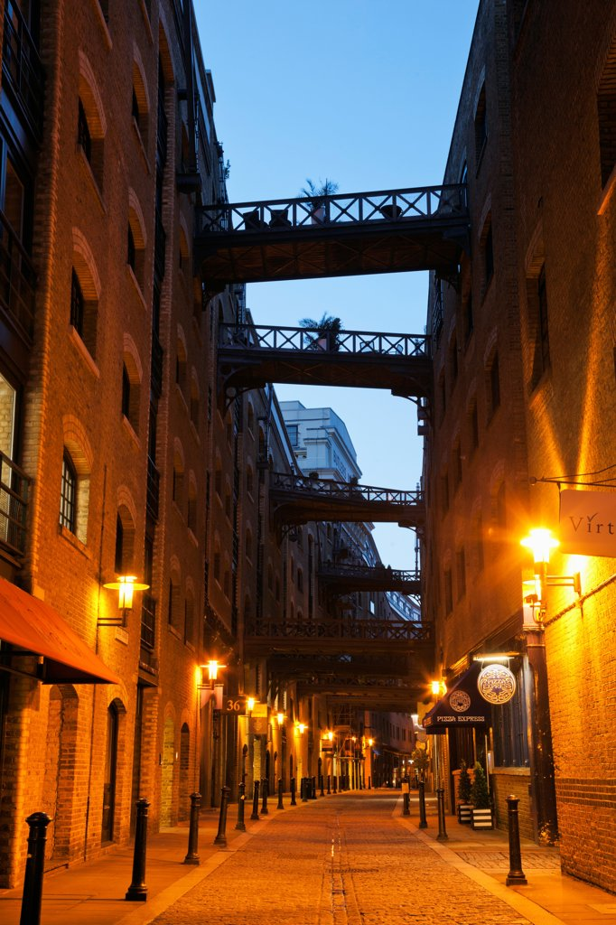 Stock Photo: 442-37895 UK, England, London, Southwark, Shad Thames