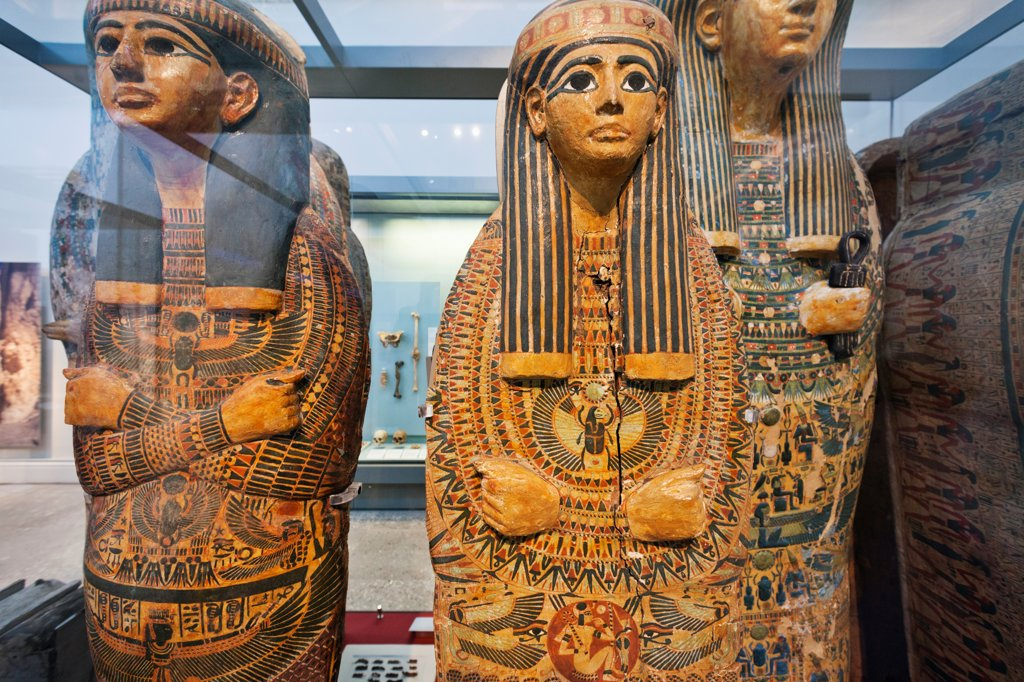 Stock Photo: 442-37910 UK, England, London, British Museum, Egyptian Room, Display of Egyptian Mummies