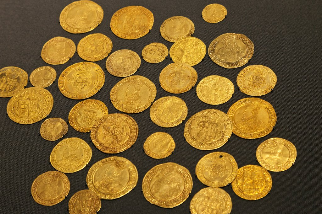 Stock Photo: 442-37920 Display of English Gold Coins dating from 1558-1625