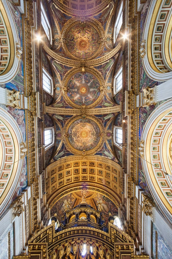 UK, England, London, St Pauls Cathedral, Low angle view of Quire Ceiling : Stock Photo