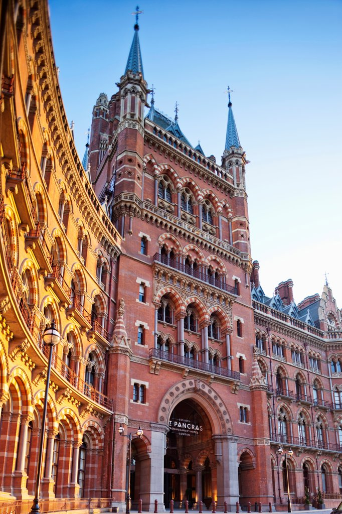 Stock Photo: 442-37940 UK, England, London, Kings Cross, St Pancras Renaissance Hotel