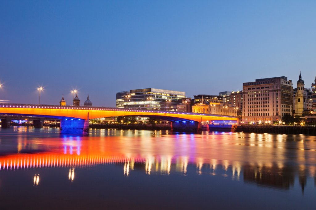 Stock Photo: 442-38219 UK, London, Southwark, London Bridge