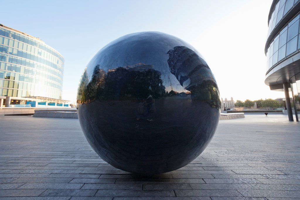 "UK, London, Southwark, City Hall, Sculpture titled """"Full Stop Courier"""" by Fiona Banner : Stock Photo"