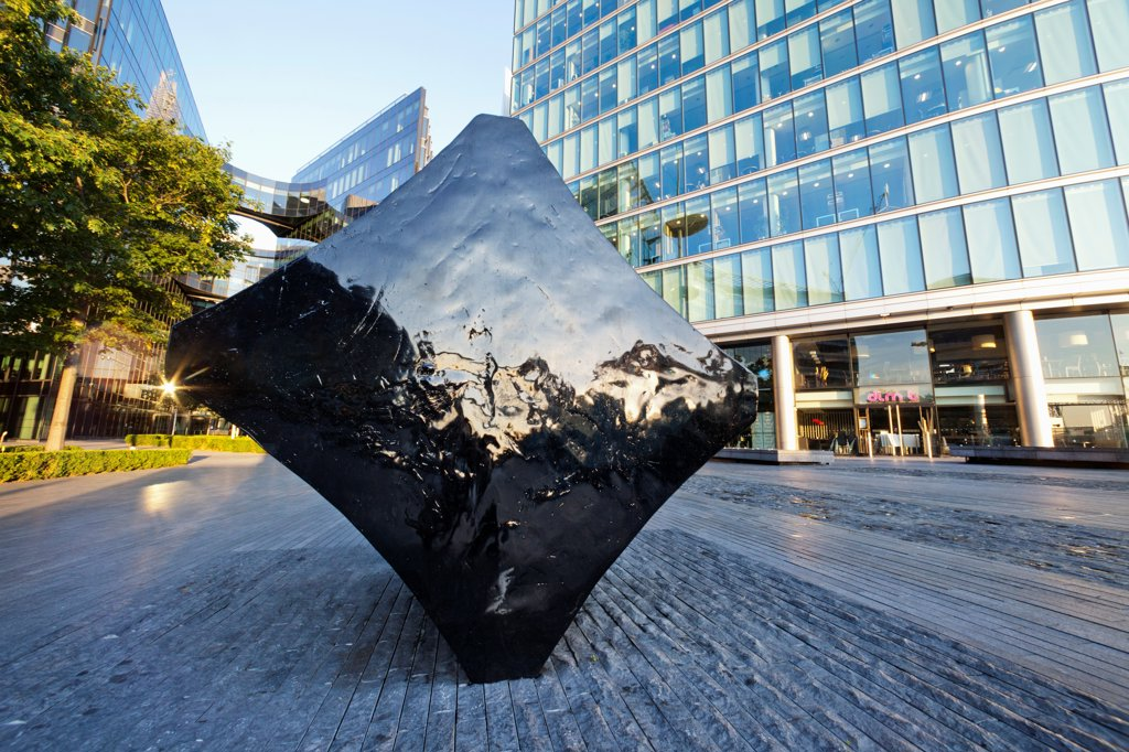 "UK, London, Southwark, City Hall, Sculpture titled """"Full Stop Klang"""" by Fiona Banner : Stock Photo"