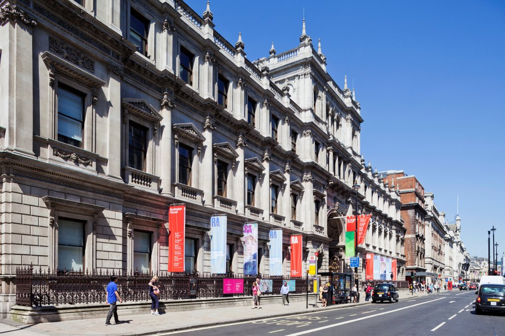 UK, London, Piccadilly, Burlington House, Royal Academy : Stock Photo