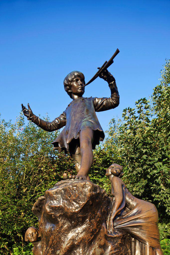 Stock Photo: 442-38286 UK, London, Hyde Park, Kensington Gardens, Peter Pan Statue
