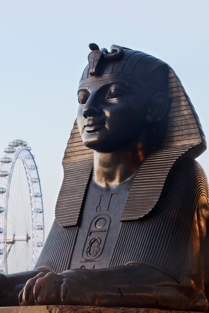 Stock Photo: 442-38316 UK, London, Victoria Embankment, Sphinx Statue and London Eye