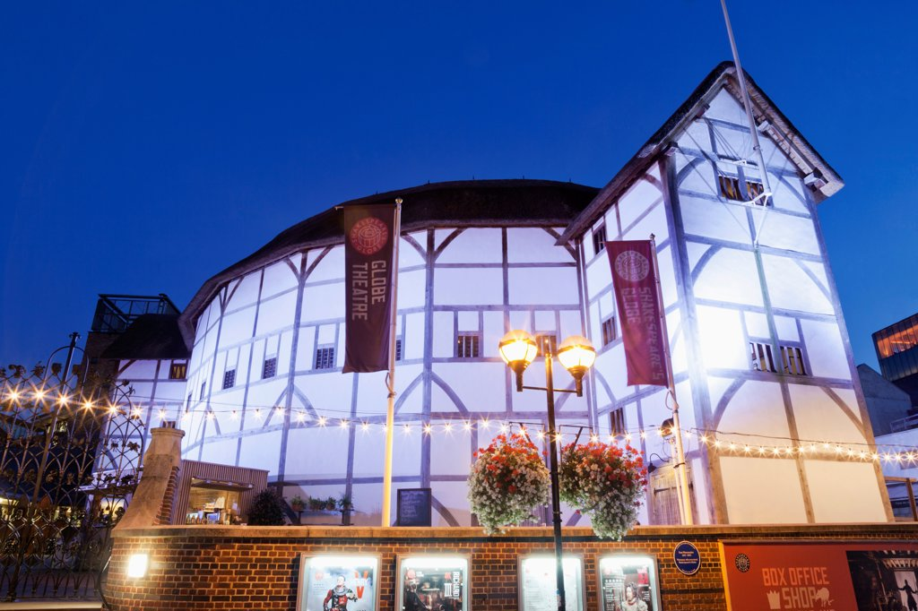 UK, London, Southwark, Bankside, Globe Theatre : Stock Photo