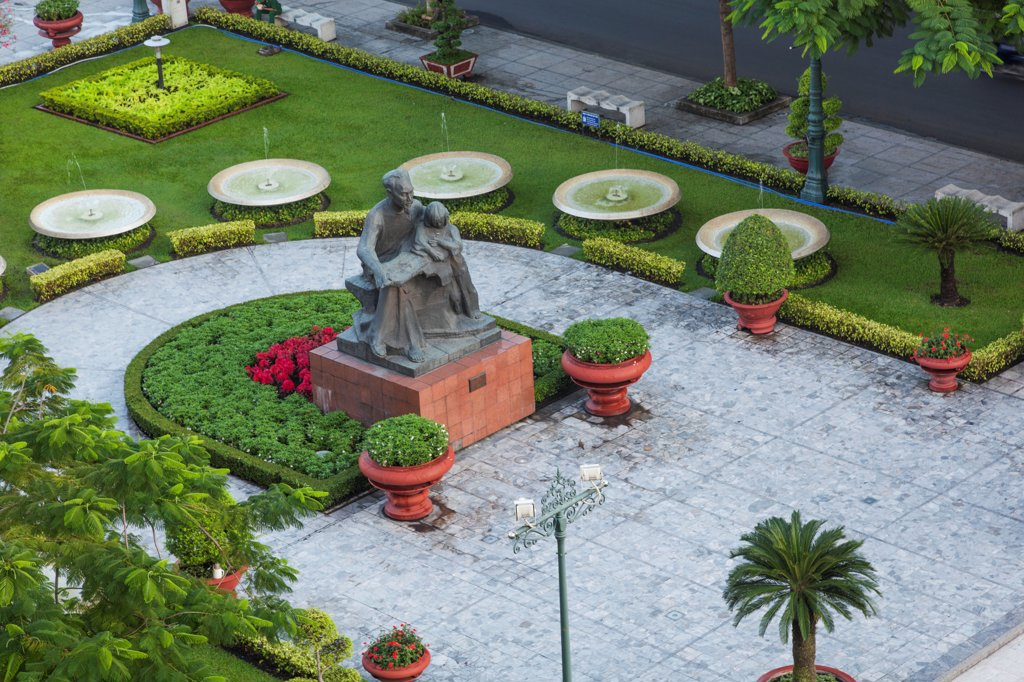 Stock Photo: 442-38966 Vietnam, Ho Chi Minh City, Ho Chi Minh Statue