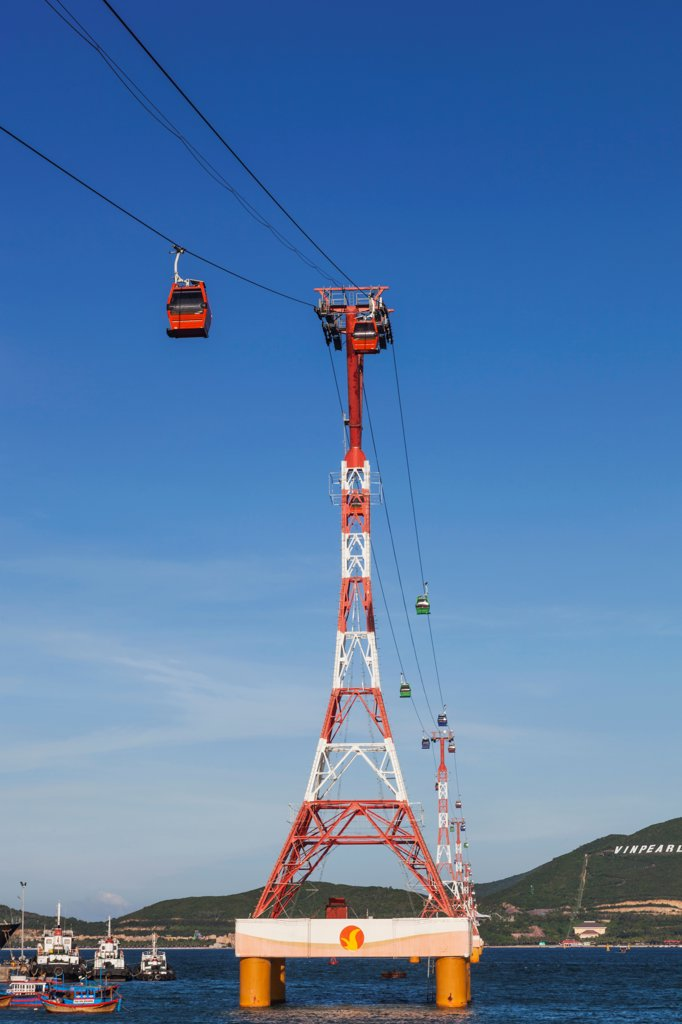 Stock Photo: 442-39174 Vietnam, Nha Trang, Vinpearl Resort Cable Car