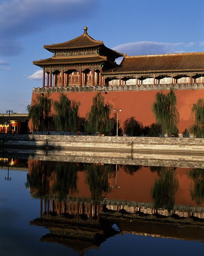 Stock Photo: 442-4532A Refection of a building in water, Forbidden City, Beijing, China