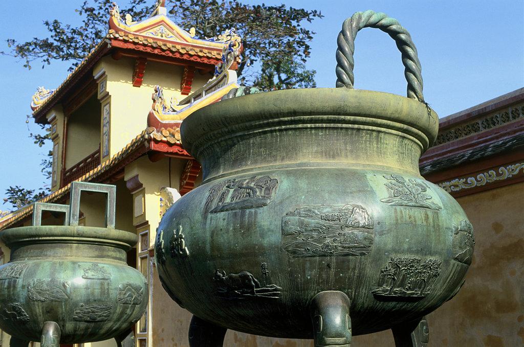 Close-up of an ancient pot, Nguyen Dynastic Urns, Imperial Palace, Hue, Vietnam : Stock Photo