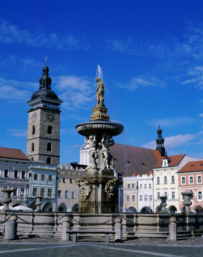 Stock Photo: 442-5527 Low angle view of a fountain, Samson Fountain, Cesky Budejovice, Czech Republic