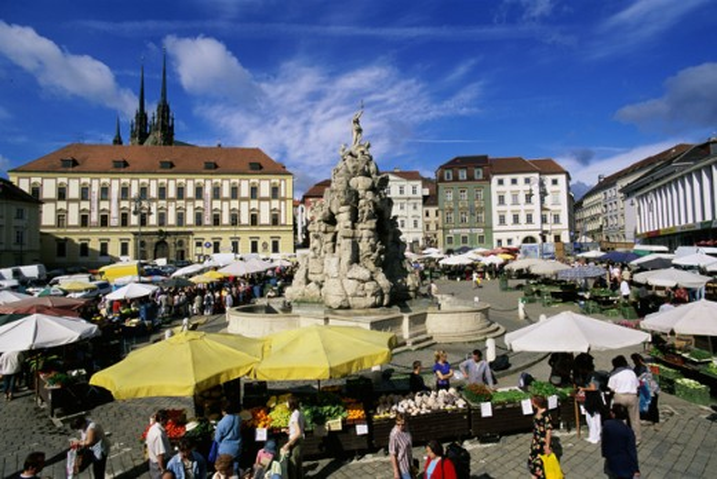 Open-air market around a fountain, Brno, Czech Republic : Stock Photo