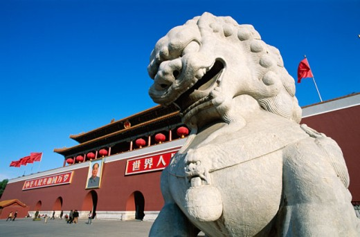 Statue of a lion in front of Tiananmen Gate, Tiananmen Square, Beijing, China : Stock Photo